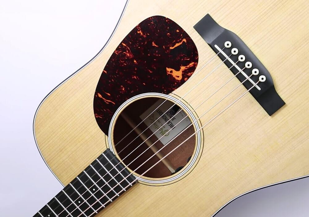 NV Tone Internal mic inside guitar